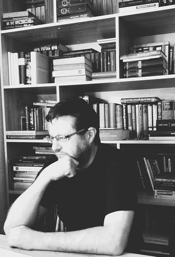 Владимир Владимирович Варава (род. в 1967 г., Воронеж) - Член Союза писателей России, доктор философских наук,профессор д