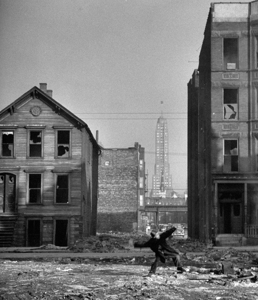 Fritz Goro, Chicago Slums, 1954.