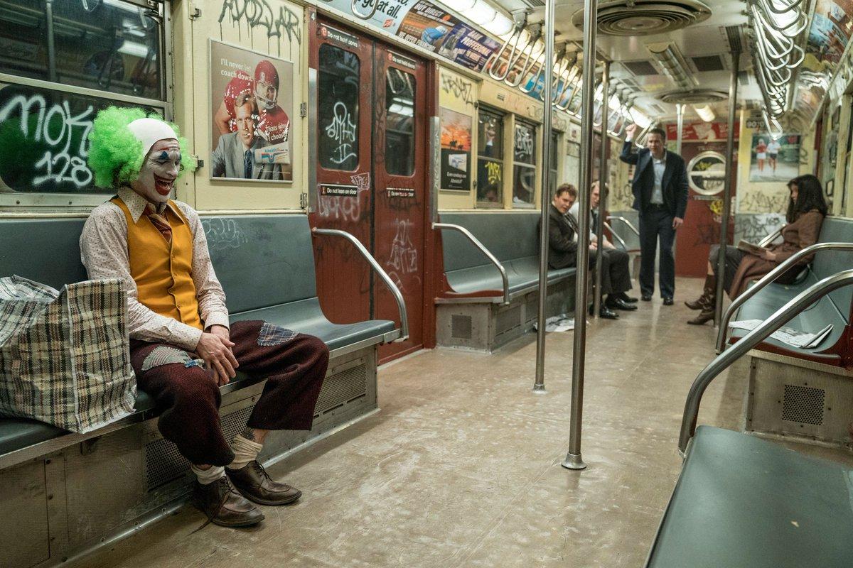 Клоунов никто не воспринимает всерьёз.