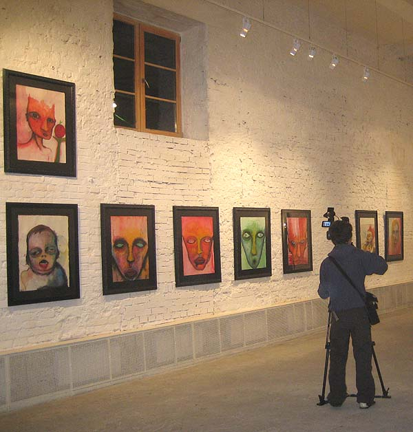 """""""Цветы зла"""", Мэрилин Мэнсон. Выставка в Галерее Марата Гельмана. Источник: artinfo.ru"""
