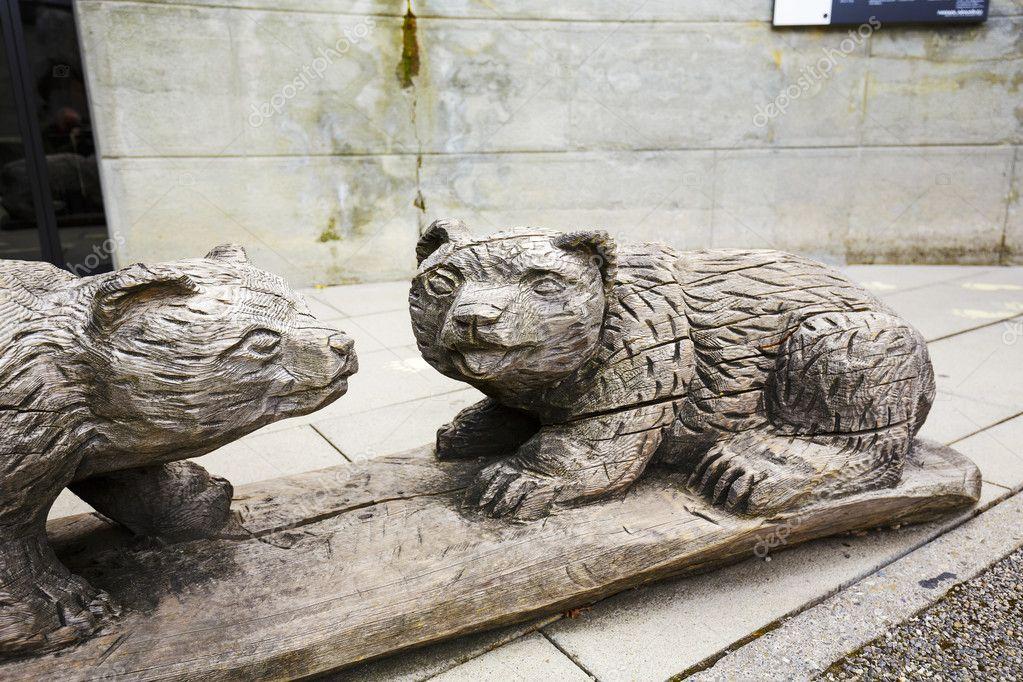 деревянные фигуры медведей в Берне