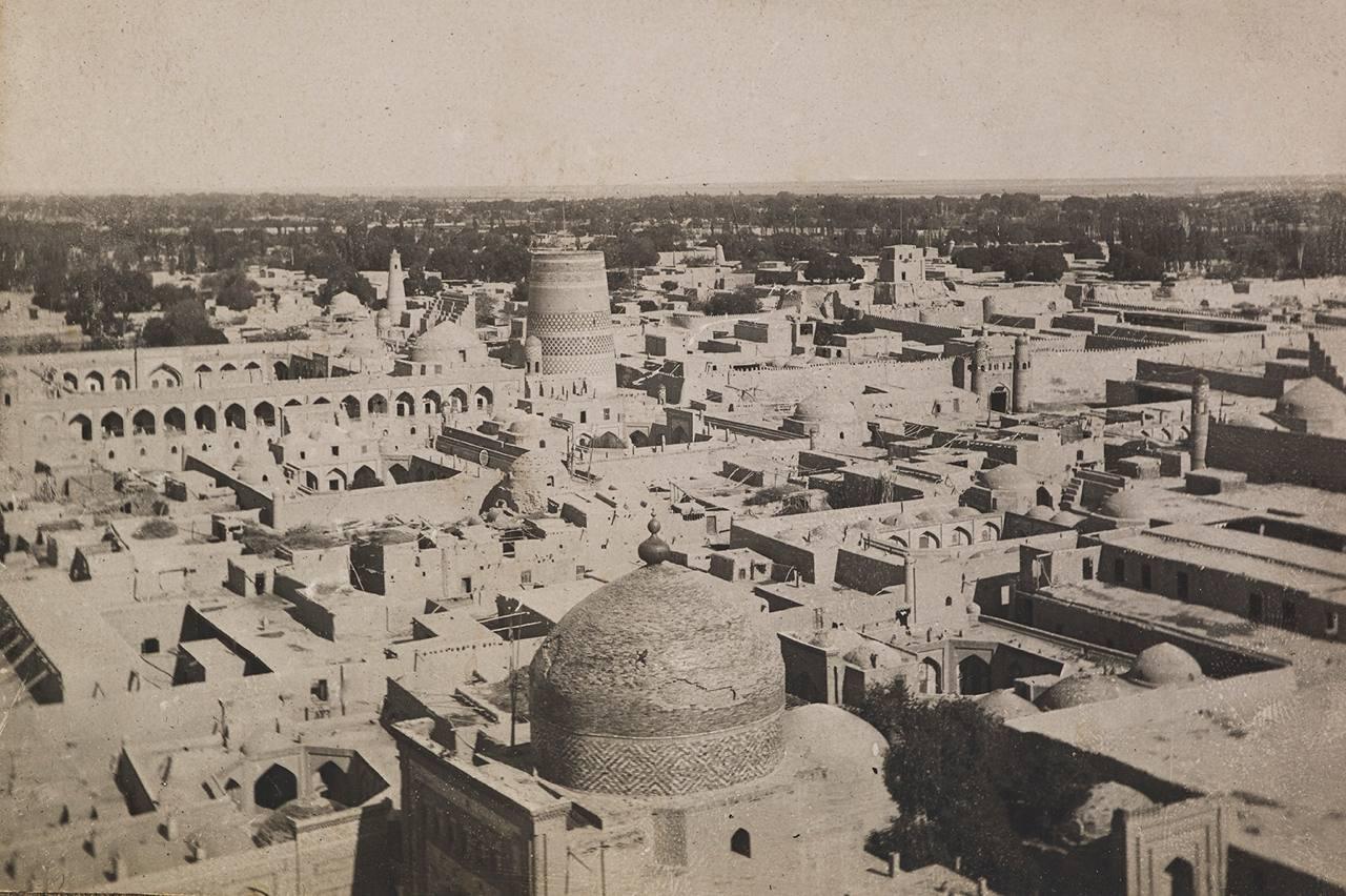 Вид Хивы (из архива М.П. Самойлович) 1921 год