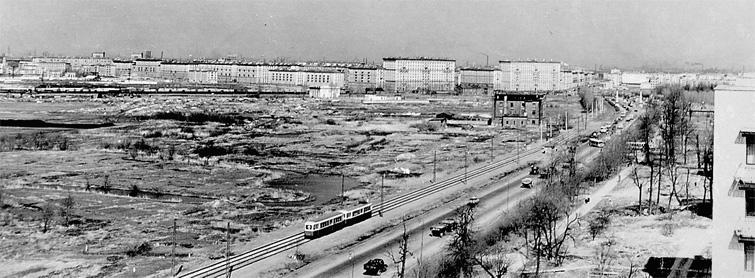 Трамвай из Стрельны на проспекте Стачек. 1965 год