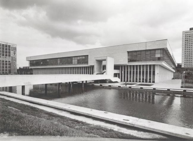 Здание ИНИОН РАН. Фотография 70-х годов