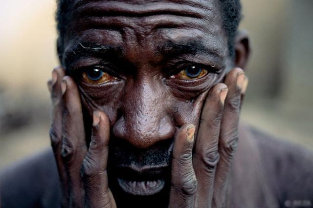 Портрет беженца хуту, Руанда, Кибуе |1996 Реза Дегати