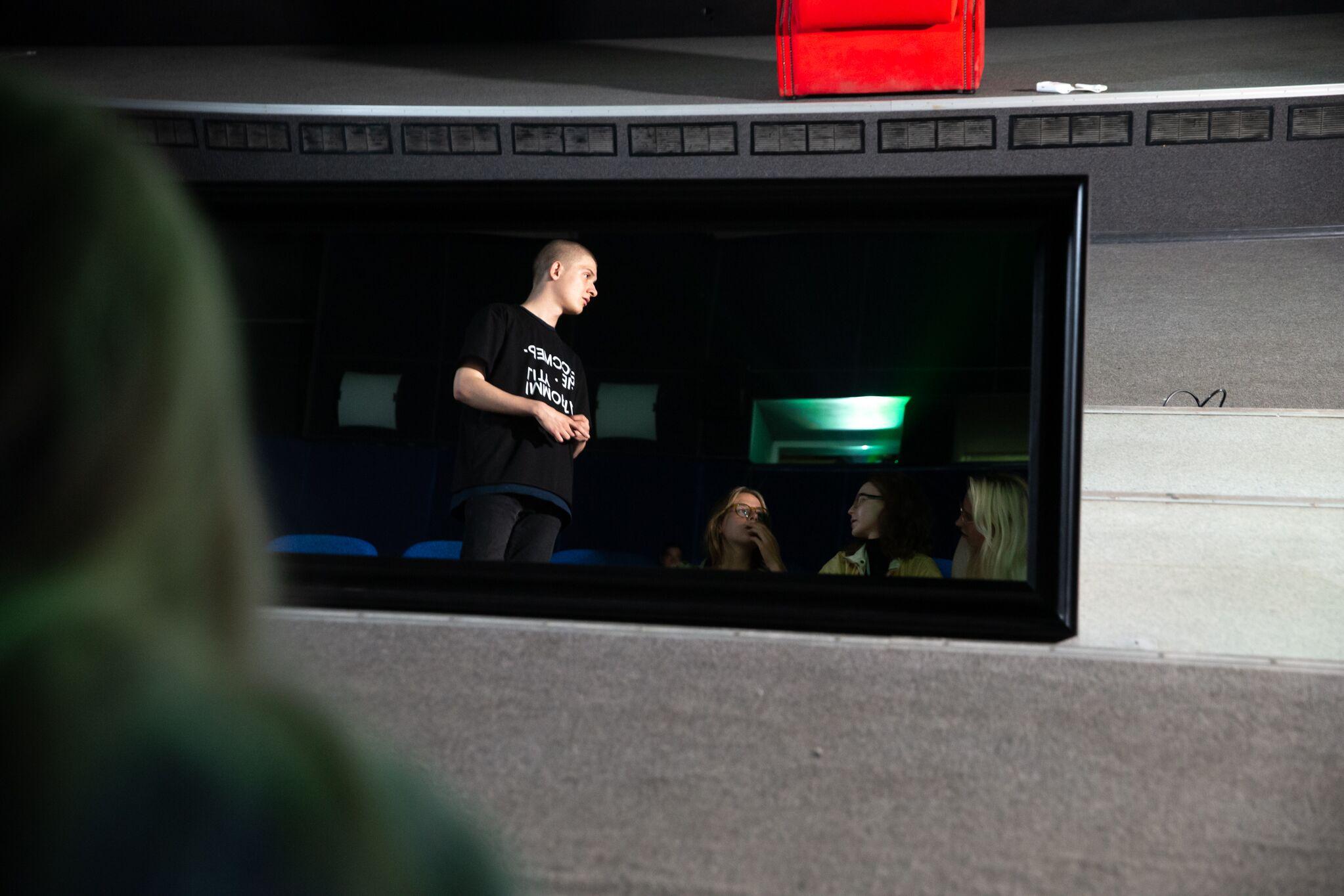 Медиатор Дмитрий Бондарев в пространстве к/т «Колизей» / фото – ZOOM ZOOM Family