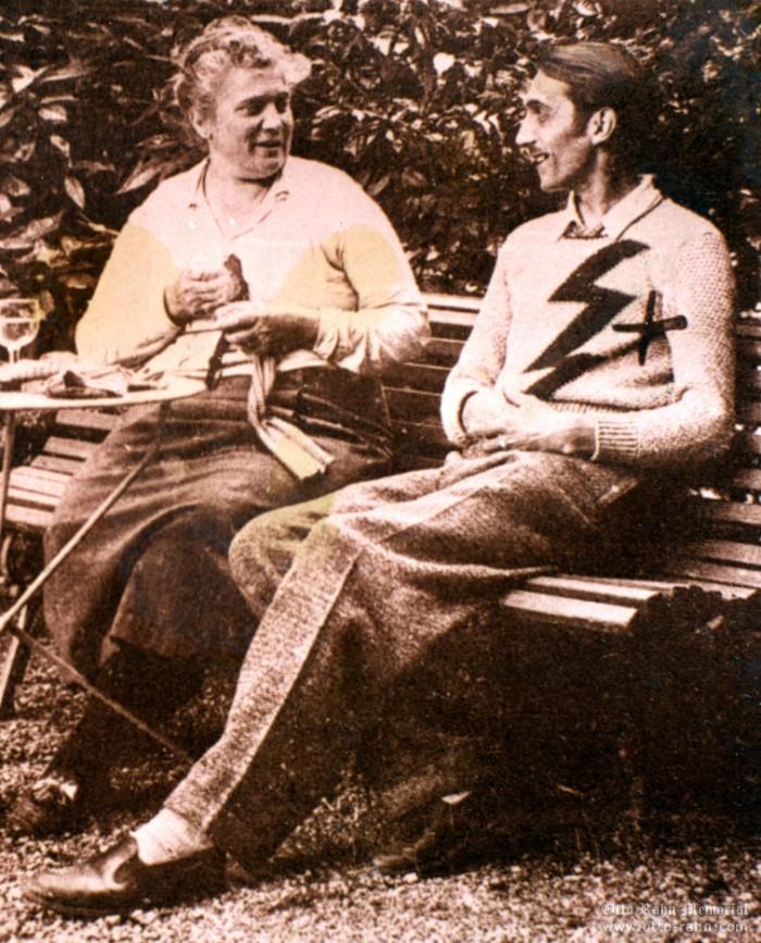 Отто Ран со своей матерью