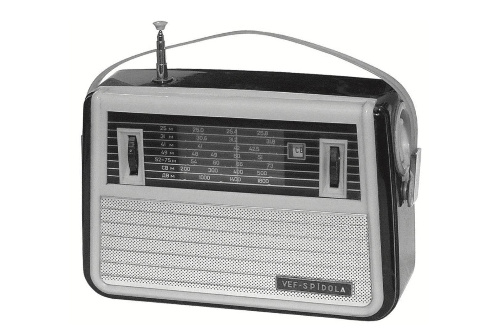 Коротковолновый радиоприемник «ВЭФ-Спидола» (Рижский радиозавод, начало выпуска — 1960 г.)