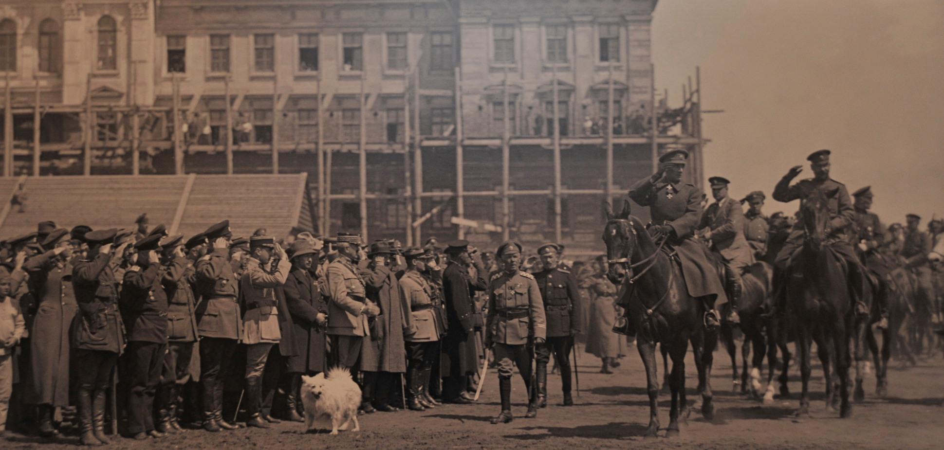 Верховный правитель России А.В.Колчак. Смотр русской армии, Омск, 1919 г.