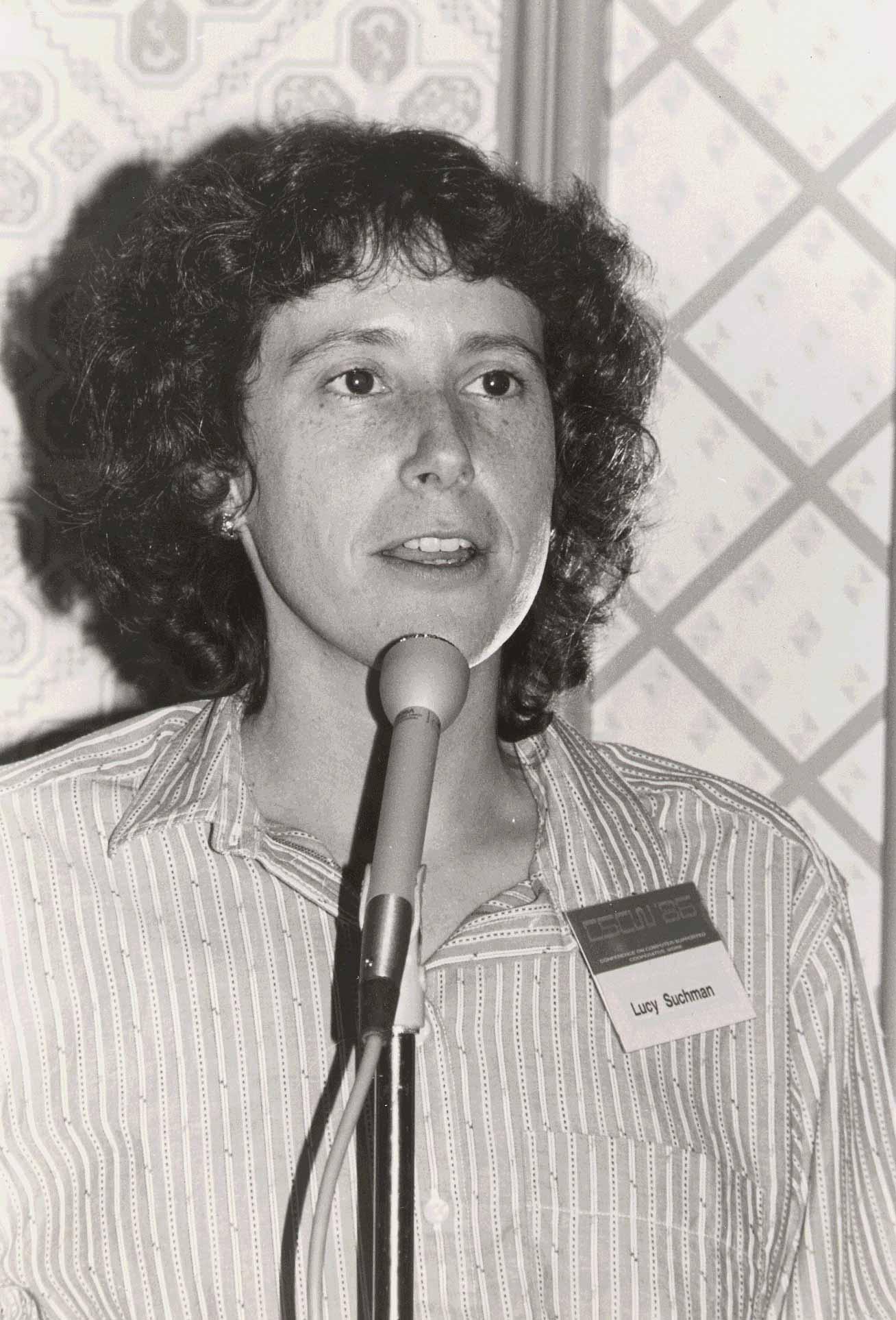 Люси Сачмен на конференцииCSCW'86