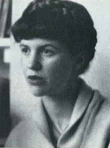 Плат в 1961 в лондонской квартире