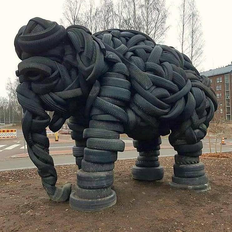 пример уличной скульптуры, инспирированной жэк-артом