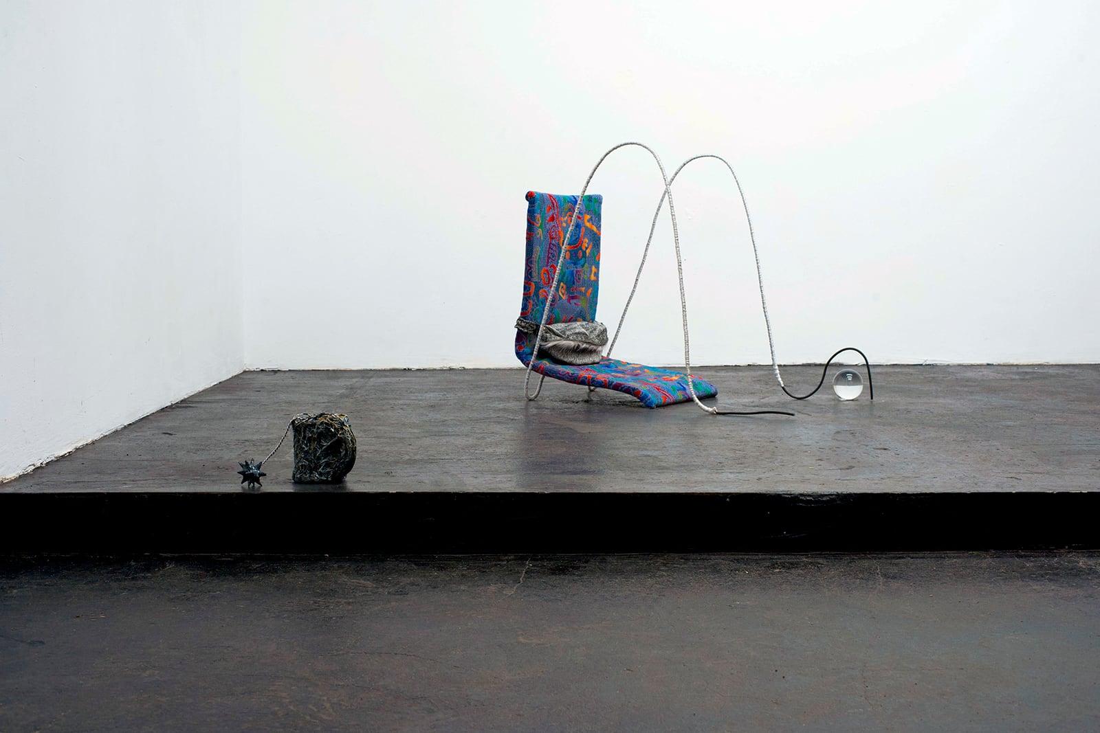 'Quarter Past Ten', групповая выставка в галерее ISSMAG, Москва, 2020. Кураторы TZVETNIK. На фото: Нуно Патричио, TDSDIHA
