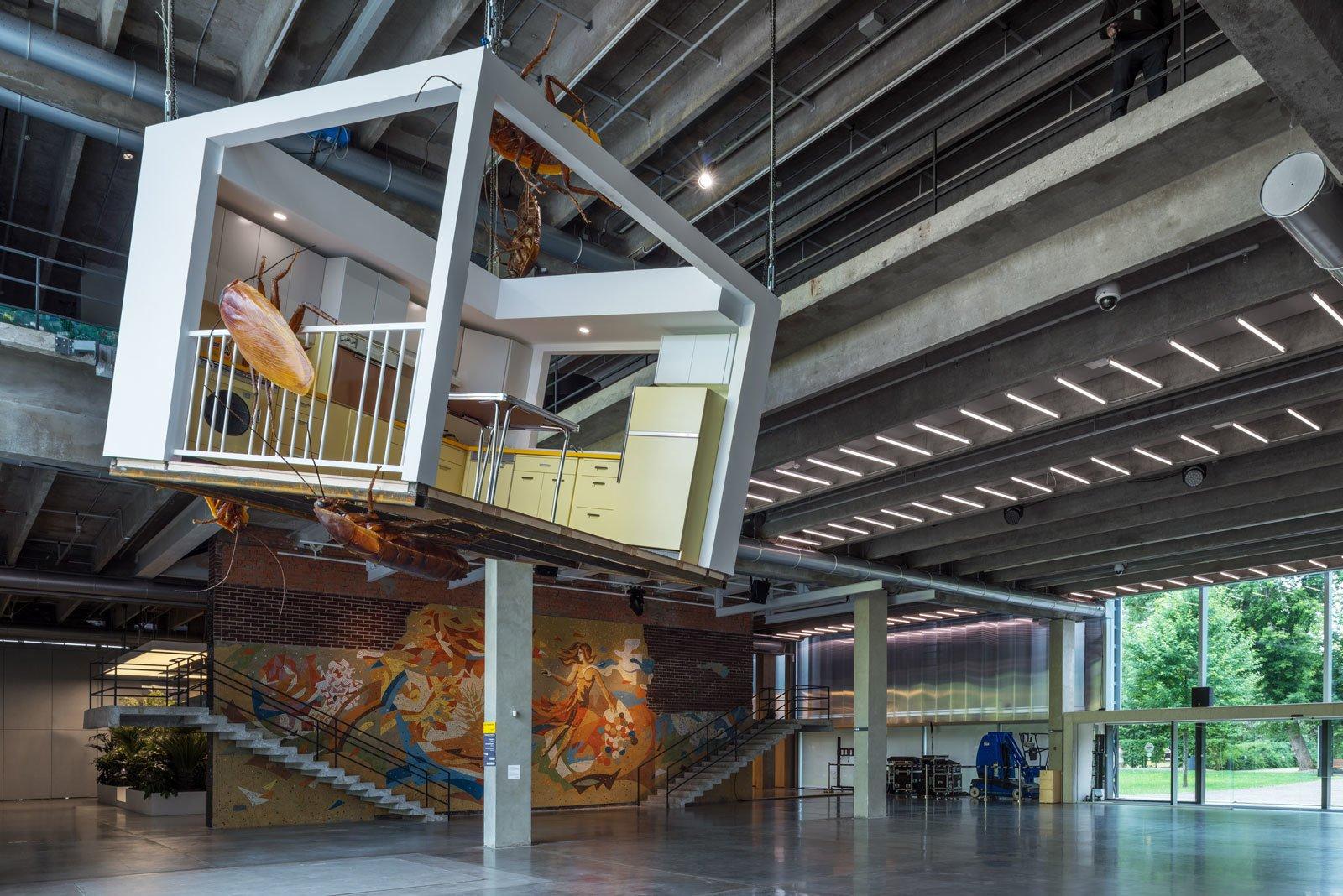 """Инсталляция """"Американская кухня и китайские тараканы"""" Хуан Ю Пина. <a>Источник</a>."""