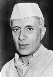 Джавахарлал Неру снискал себе славу миротворца, что повысило статус Индии на международной арене