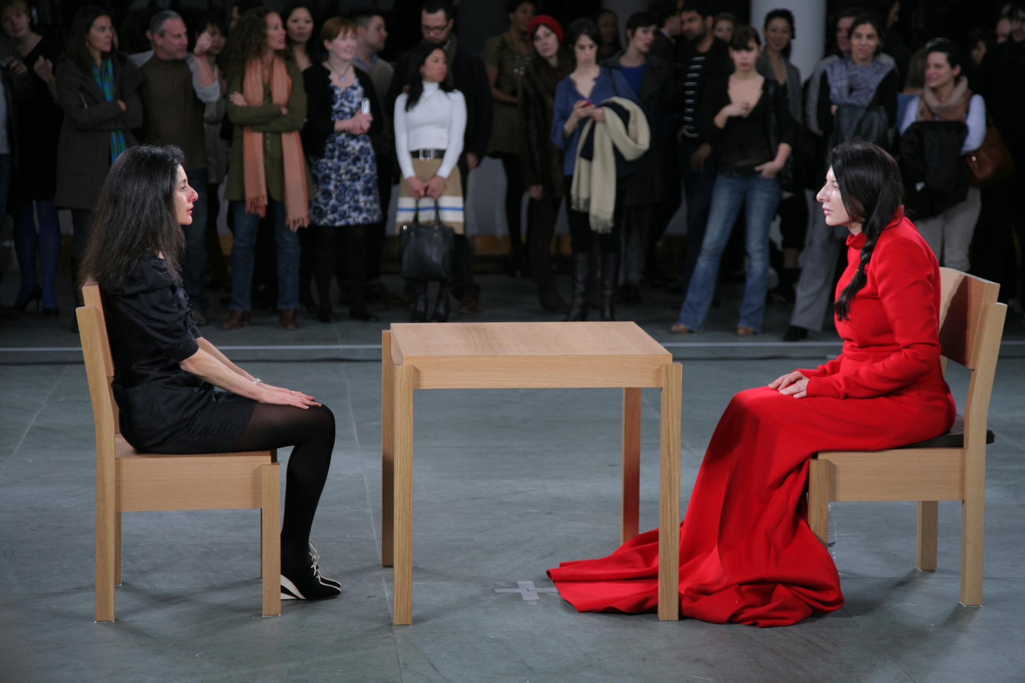 Марина Абрамович, перформанс «В присутствии художника», Нью-Йоркский музей современного искусства, 2010 г.