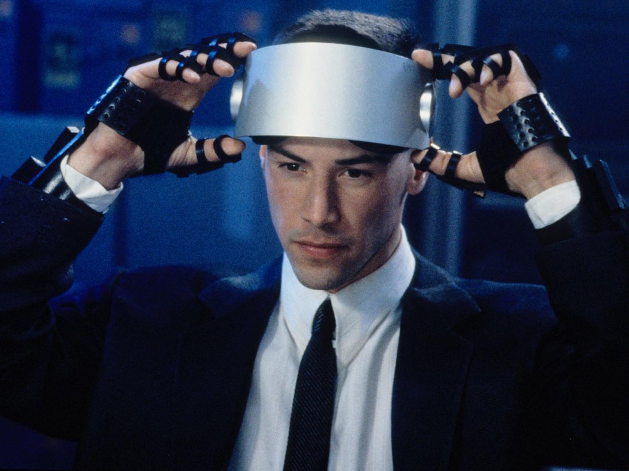Как-то так представлялось кибер-будущее 25 лет назад (кадр из фильма «Джонни-мнемоник»)