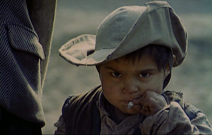 Кадр из фильма «Скупщики перьев»