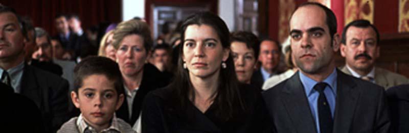Кадр из фильма «Возьми мои глаза». 2003. Испания. Реж. Исиар Больяин