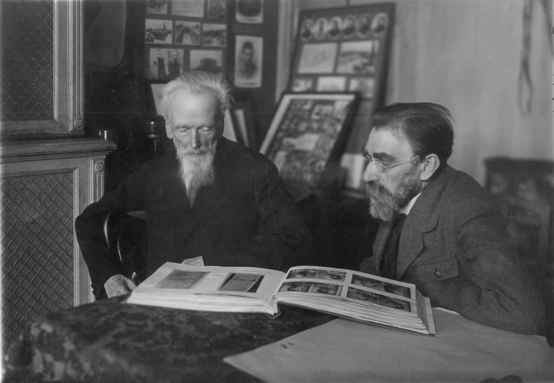 Н.А. Чарушин и И.И. Попов. 1920-е гг. Российский государственный архив литературы и искусства
