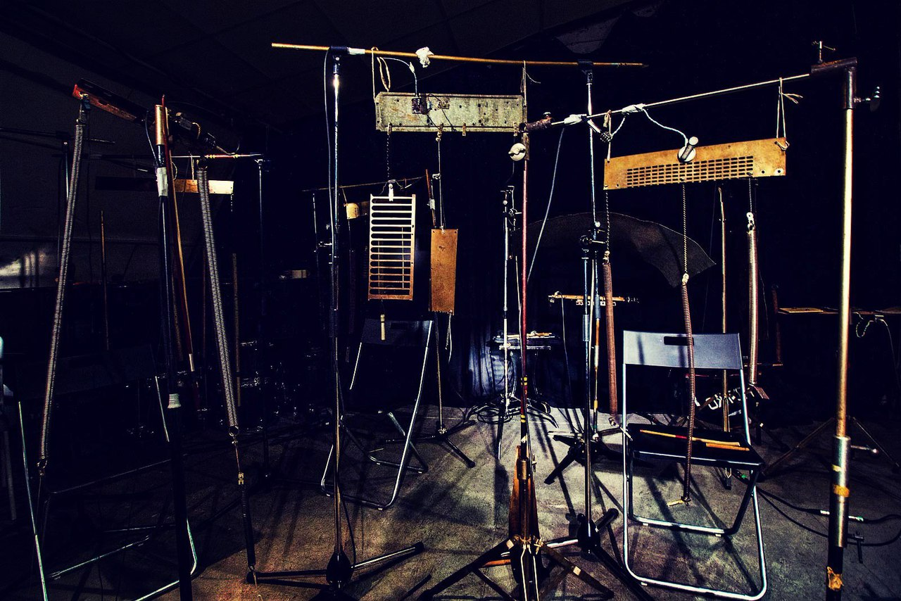 Инструменты, созданные Николаем Судником специально для ŽELĚZO - концерта с Saint-Petersburg Improvisers Orchestra. Фото
