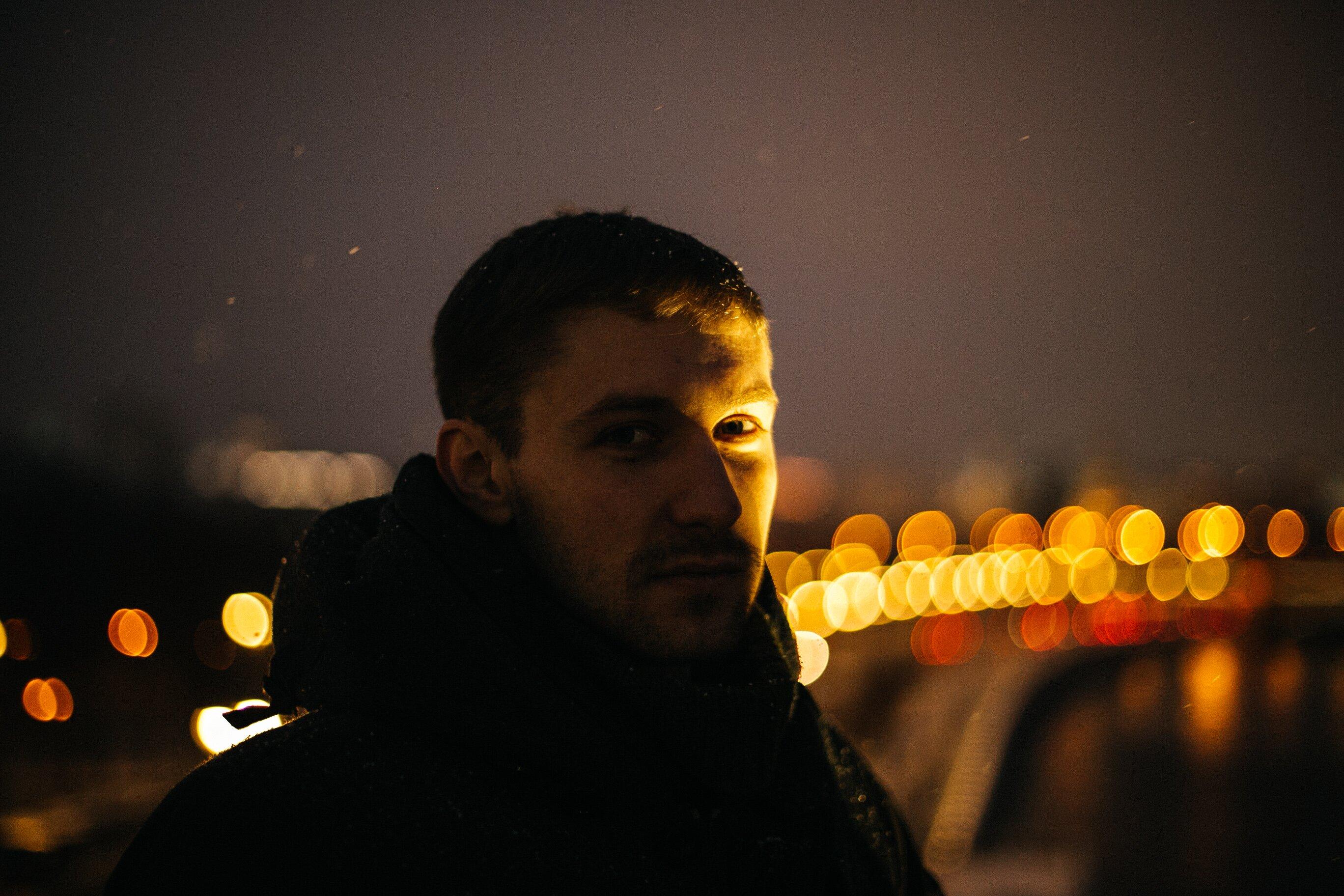 Артем, любит Бродского. Фото: Анастасия Станкина.