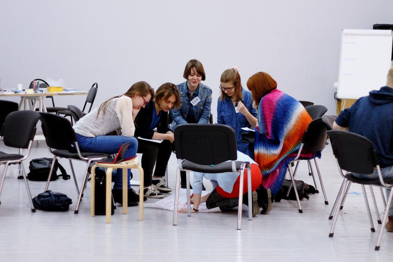 Тренинг в рамках программы медиации на 4-й Уральской индустриальной биеннале.© Zoom Zoom Family