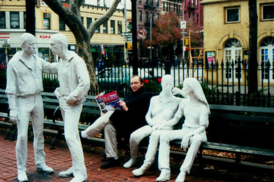 Аркадий Драгомощенко. Нью Йорк, осень 1999 года. Фото со страницы Зинаиды Драгомощенко в фейсбуке