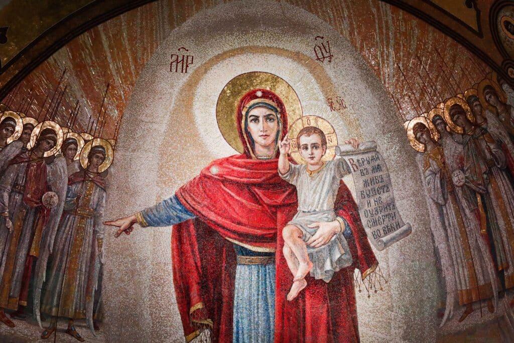 Мозаика Богородицы в храме ВС РФ © photos.rg.ru