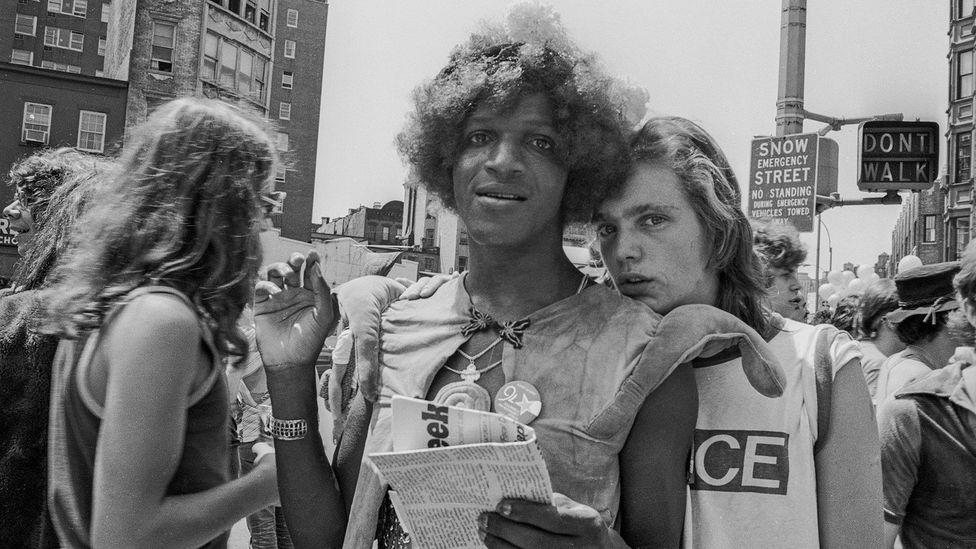 Марша П. Джонсон с подругой, годовщина начала Стоунволльских бунтов. Нью-Йорк, 1976 г. —Biscayne/Kim Peterson