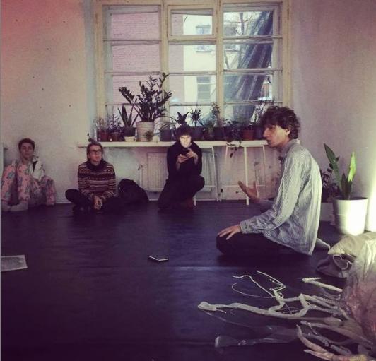 <b>Павел Арсеньев</b> на лекции для студентов <b>Paideia</b> в пространстве <b>4413</b>