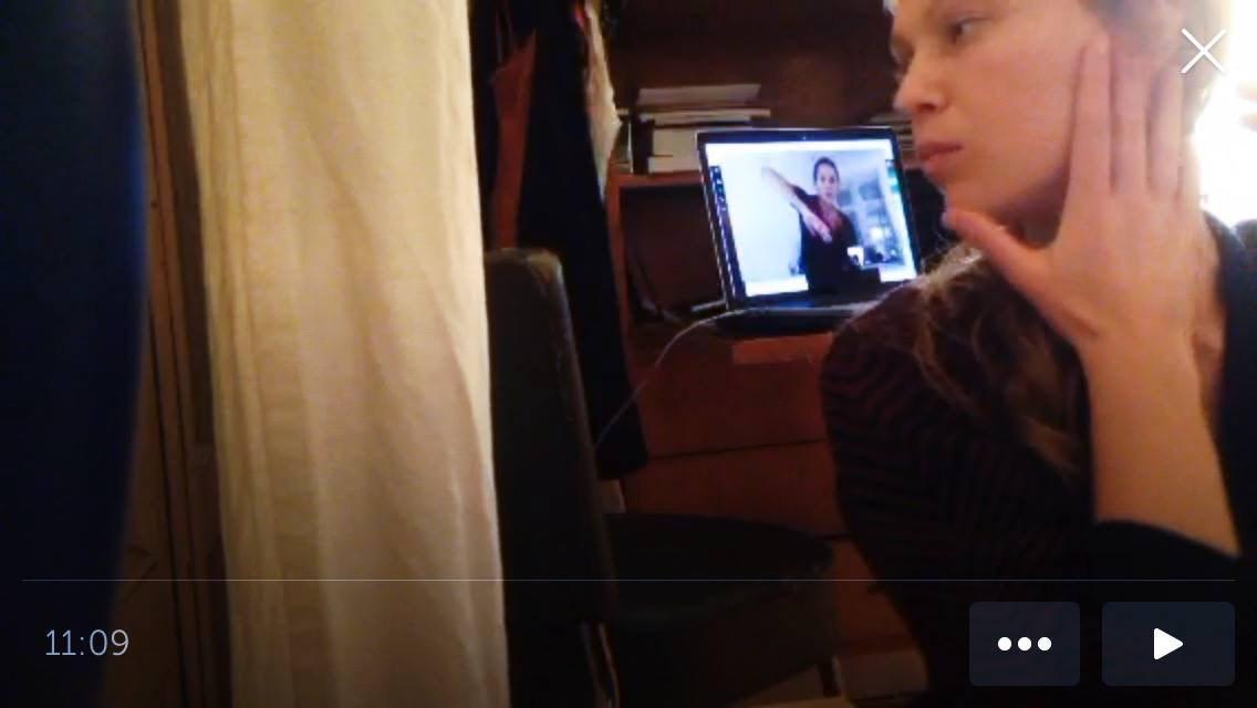 Аня Кравченко (совместно с Сашей Портянниковой, Дашей Плоховой и Аней Антиповой). «Квартирник третьего порядка», 2017
