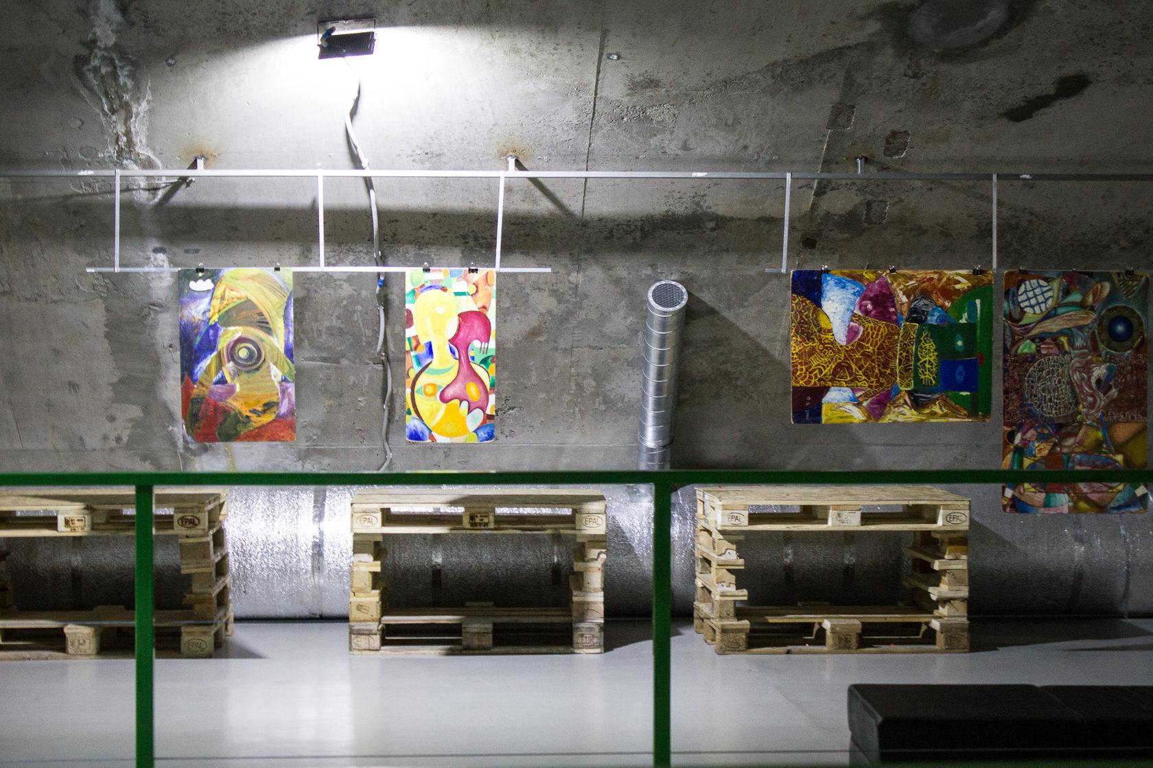 Выставка Олега Волова в лофт-парке «Подземка», Новосибирск, 2018.