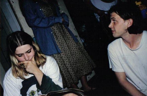 Пэйдж Дирмен и Джефф Мэнгам в Денвере, около 1996 года. Взято изNeutral Milk Hotel Image Archive