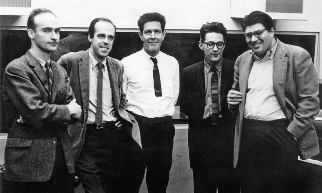 Крисчен Вулф, Эрл Браун, Джон Кейдж, Дэвид Тюдор и Мортон Фелдман. 1962