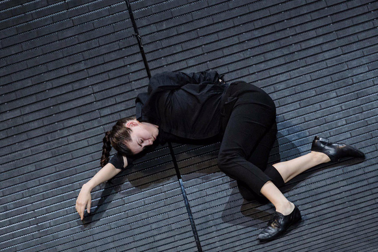 Фото:Gianmarco Bresadola, из спектакля 'Enfant' в постановке Бориса Шармаца, 2018