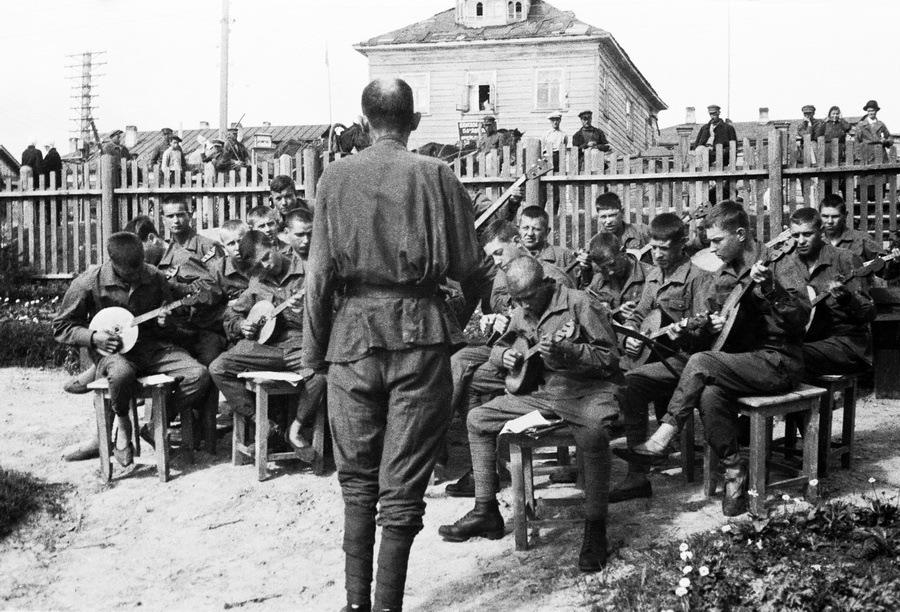 Соловецкий лагерь особого назначения. Фото Михаила Пришвина, 1933 год
