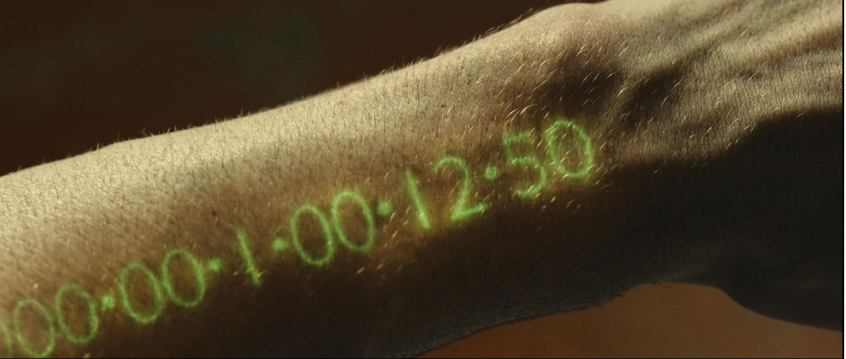 Кадр из фильма «Время» (In Time), 2011