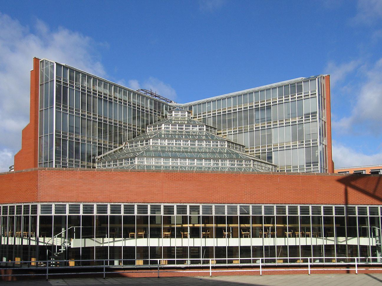 Джеймс Стерлинг. Здание исторического факультета Кембриджского университета, 1964-1968