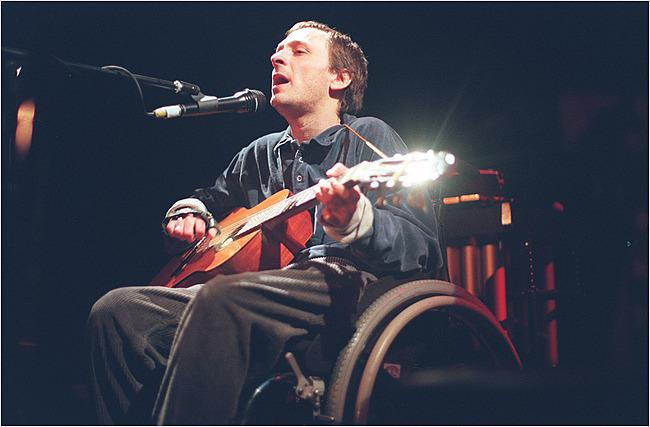 Вик Чеснатт в клубе Bowery Ballroom в Нью-Йорке, 1999 год. Фото: Раав Сегев. Взято из блога Г. А. Матиаша