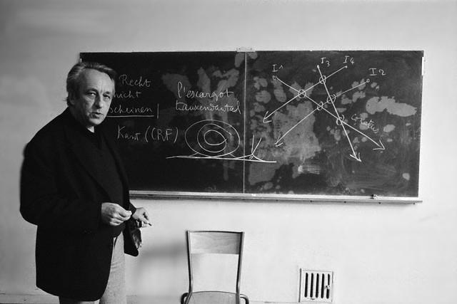 Луи Альтюссер в Высшей нормальной школа Лиона