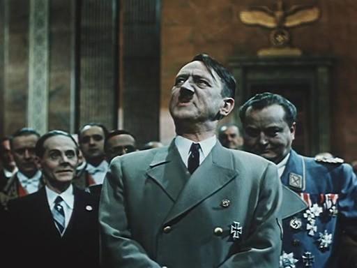 Карикатурный Гитлер (Владимир Савельев) из фильма «Падение Берлина»