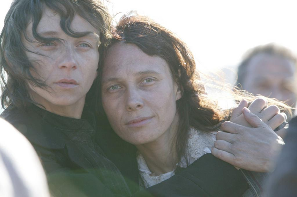 Кадр из фильма «Луиза Мишель, Мятежница». 2009. Франция. Реж. Сольвейг Анспах