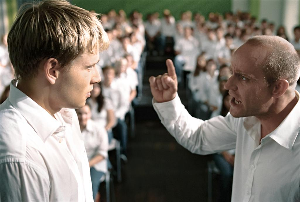 Кадр из фильма «Эксперимент 2: Волна». 2008. Германия. Реж. Деннис Ганзель