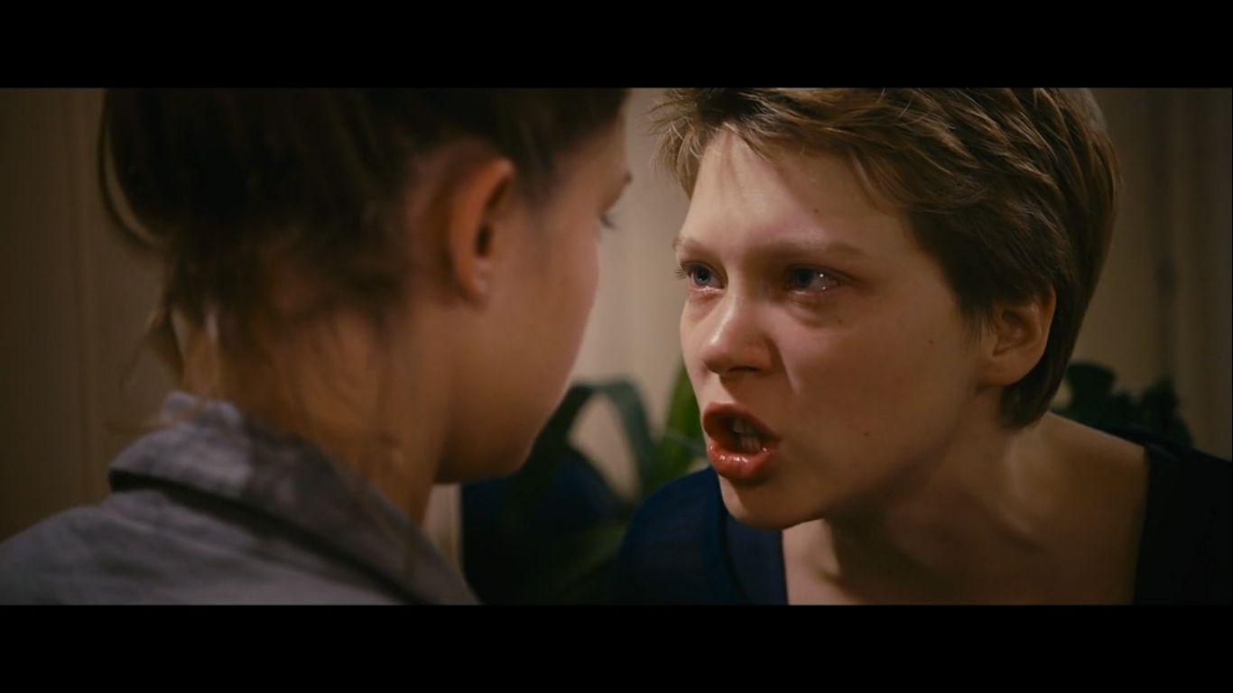 [Кадр 6]. Сцена ссоры между Эммой и Адель после измены (цвет волос Эммы, как сказано было выше, явился индикатором переме