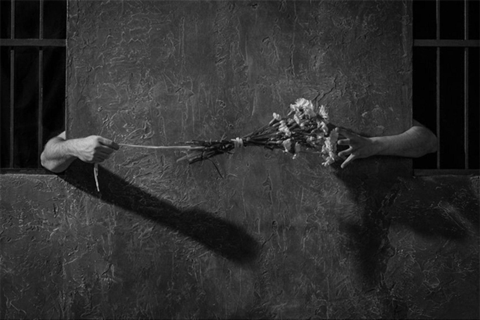 """Кадр из фильма Жана Жене """"Песнь любви"""" (1950 год)."""