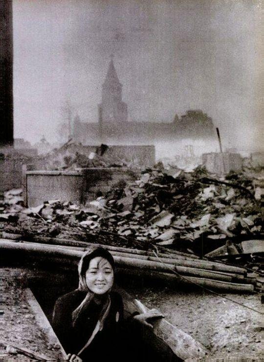 Ёсукэ Ямахата. Выжившая после ядерной бомбардировки. 1945 год. Courtesy:https://tinyurl.com/vxaamjz