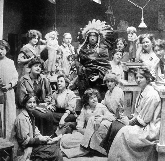 Женский скульптурный класс. 1918 год. Чикагский институт искусств