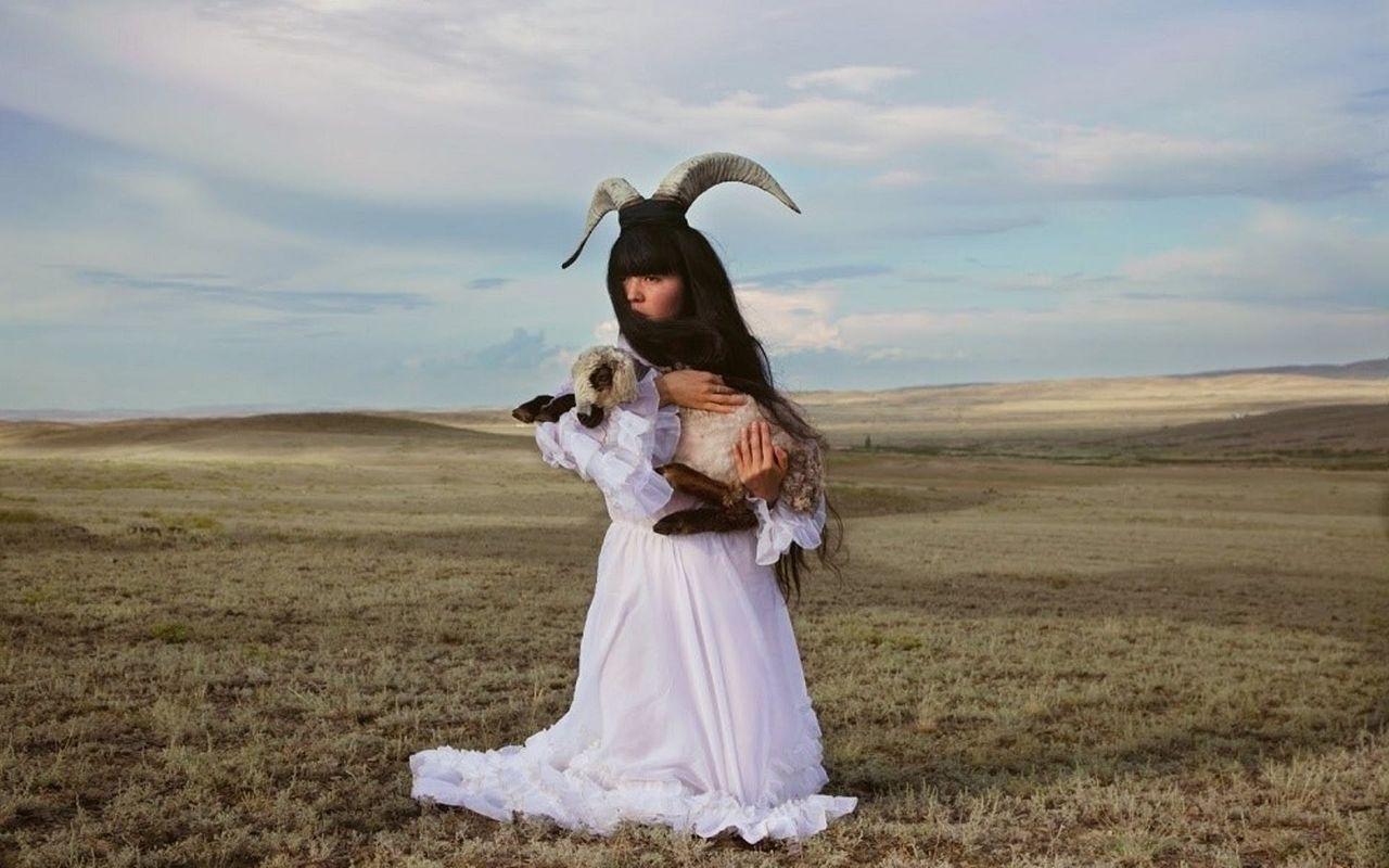 Работа художницы Алмагуль Менлибаевой