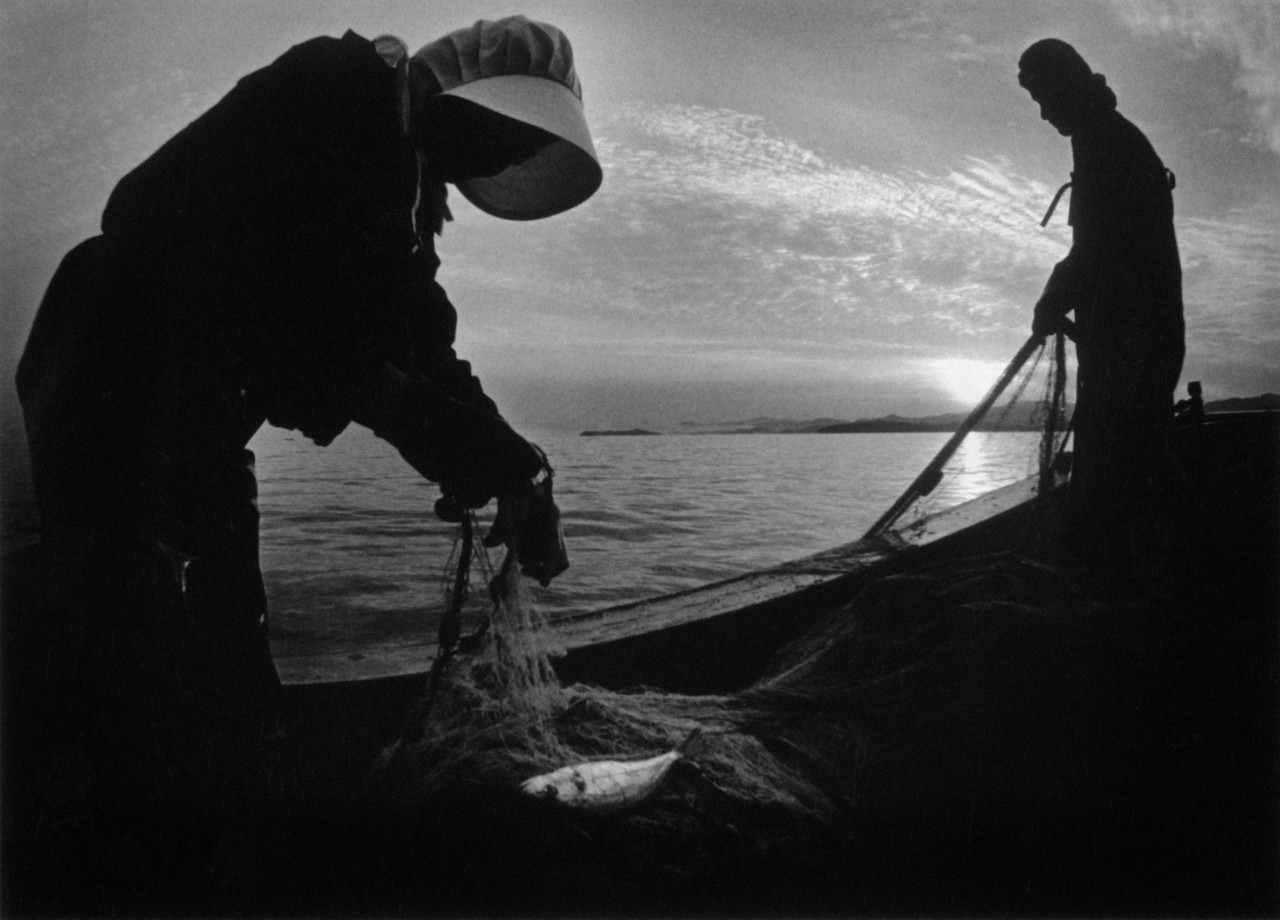 Рыбаки, залив Минамата, 1972 г. © W. Eugene Smith   Magnum Photos